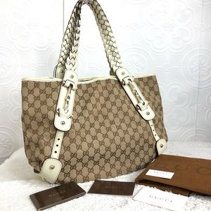 🌸OFFERS?🌸💯%Authentic Gucci Signature Bag